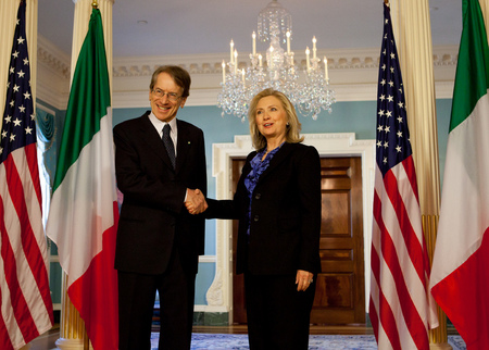Secretary of State Hillary Rodham Clinton meets with Italian Foreign Minister  Giulio Terzi di Sant'Angata (2012)